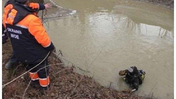 В Закарпатской области из реки выловили тела мужчины и ребенка
