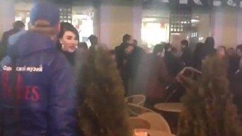 В Одессе в McDonald's произошла драка, посетители кидались стульями