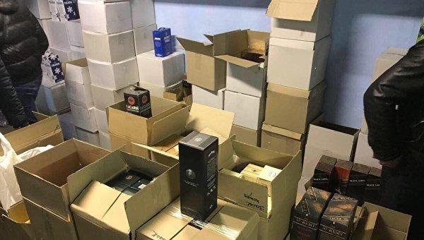В Киеве полиция выявила цех с поддельным элитным алкоголем