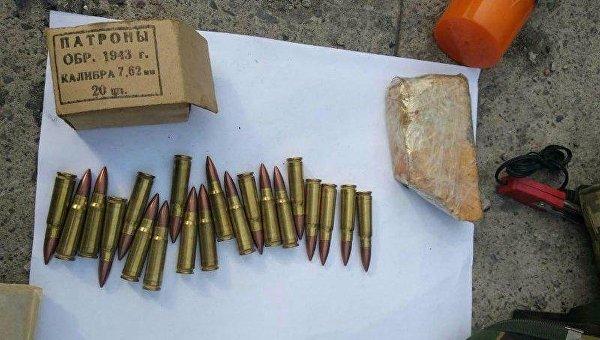 Мужчина пытался вывезти из Донбасса в Харьков пластид и патроны