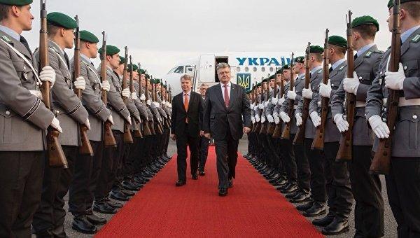 Петр Порошенко прибыл в Берлин
