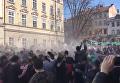 В центре Львова устроили массовые обливания. Видео