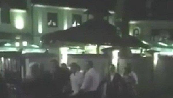 Начало драки во львовском ресторане, в результате которой погиб мужчина. Видео