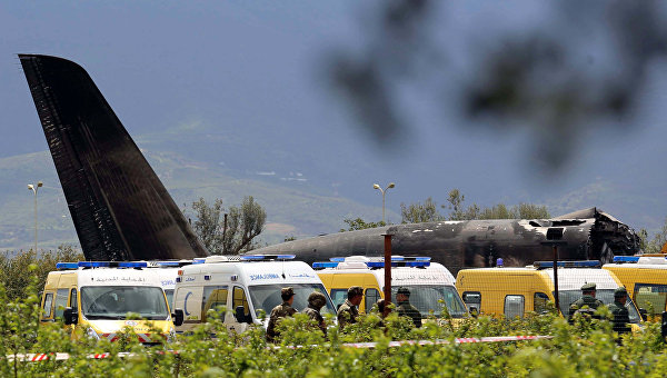На месте крушения самолета в Алжире