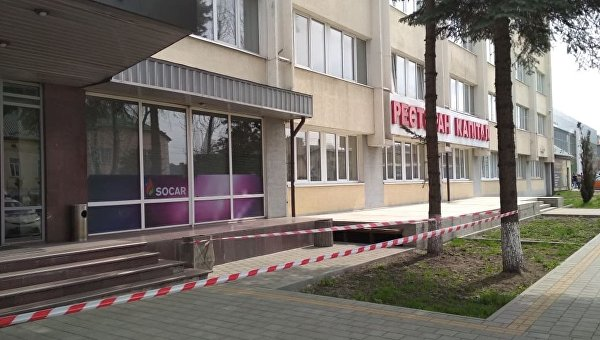 Проверка бизнес-центра во Львове после сообщения о минировании