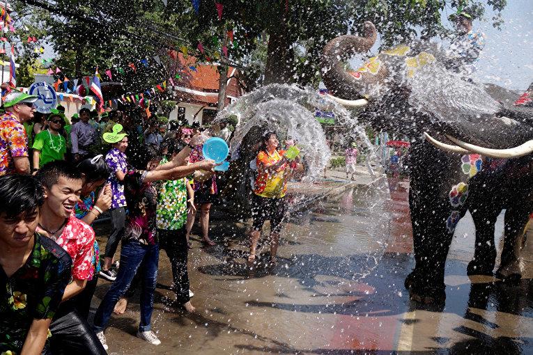 Фестиваль воды в Тайланде
