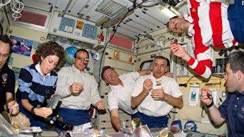 Обед космонавтов
