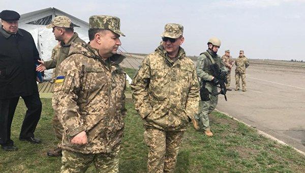 Полторак инспектирует части ВВС и ВМС Украины