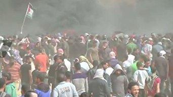 На границе с Газой возобновились столкновения палестинцев с армией Израиля