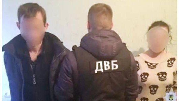 В Виннице задержали трех местных полицейских, которые зарабатывали на подшефных проститутках