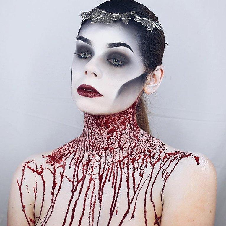 Пугающий кровавый макияж
