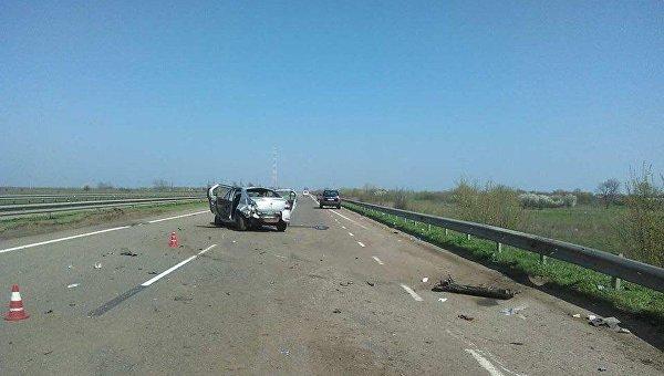 На трассе Киев - Одесса разбилось авто Renault Logan