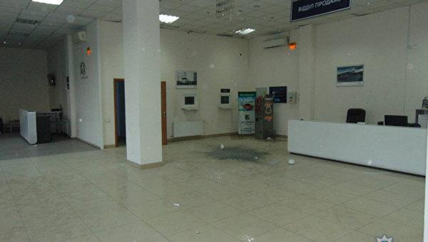 Взрыв в автосалоне Николаева