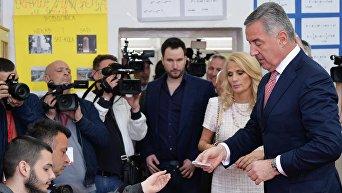 Кандидат, лидер Демократической партии социалистов Черногории Мило Джуканович