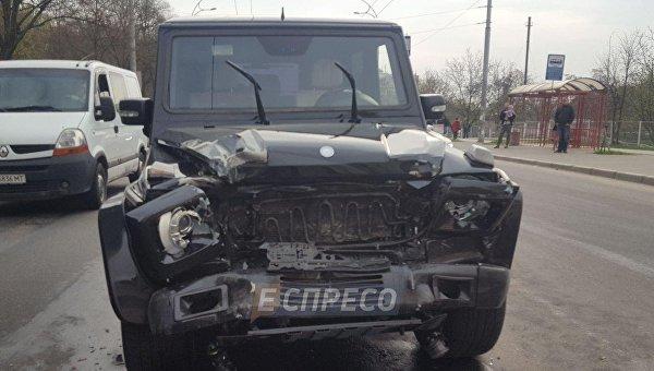 В Киеве пьяный работник автомойки угнал авто Медведчука - СМИ