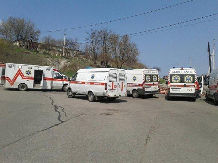 В Лисичанске грузовик с костями врезался в маршрутку: семеро пострадавших
