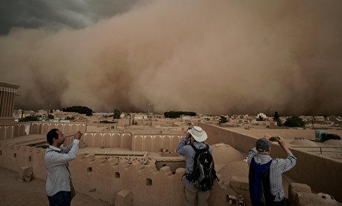 Песчаная буря в Иране