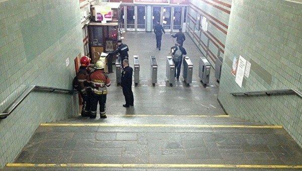Поиск взрывчатки на станции метро Дарница