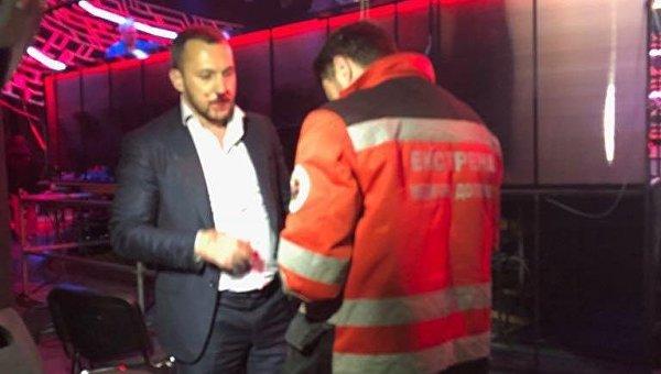 Скандал на«Украинском формате»: народный депутат Мельничук разбил нос радикалу Линько