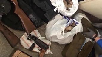 Появились кадры задержания группировки, продававшей оружие в Киеве. Видео
