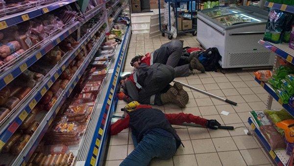 Вкиевском супермаркете кот «захватил» колбасный департамент