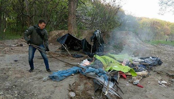 Разгром лагеря ромов. Архивное фото