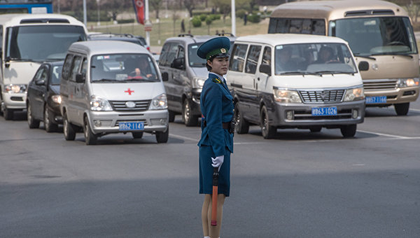 Сотрудница полиции КНДР. Архивное фото