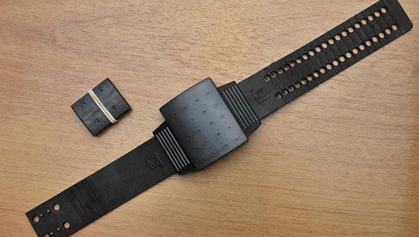 Электронный браслет для контроля за заключенными