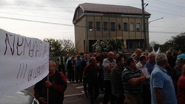 Блокирование международной трассы Киев - Чоп в селе Холмок Ужгородского района Закарпатской области
