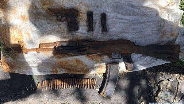 В Мариуполе случайно нашли украденный 4 года назад АК-74 из военной части