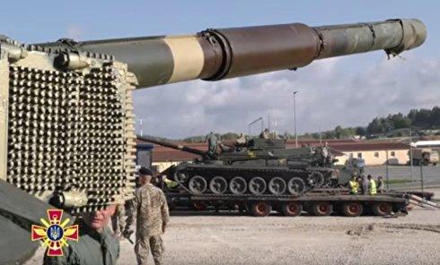 Украинские танки прибыли в Германию. Видео