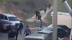 В сети появилось видео облавы националистов на цыган в Киеве. Видео