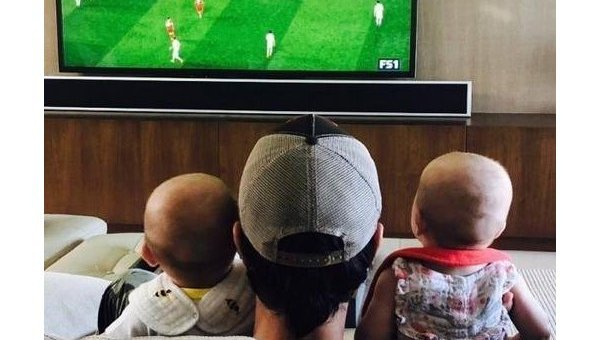 Энрике Иглесиас показал новые фото своих детей от Курниковой