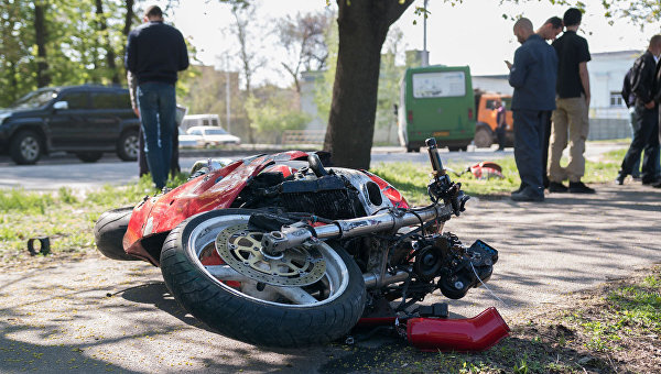 ДТП с участием мотоцикла и маршрутки в Днепре