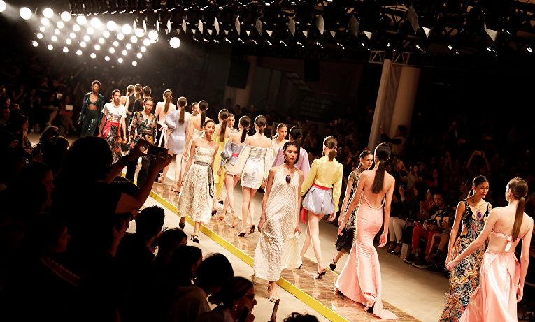 Дерзкие образы бразильской моды на San Paulo Fashion Week
