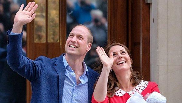 Кейт Миддлтон и принц Уильям с ребенком