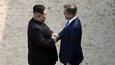 Лидеры КНДР и Южной Кореи Ким Чен Ын и Мун Чжэ Ин
