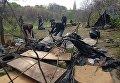 Уборка на месте разгромленного лагеря ромов на Лысой горе в Киеве