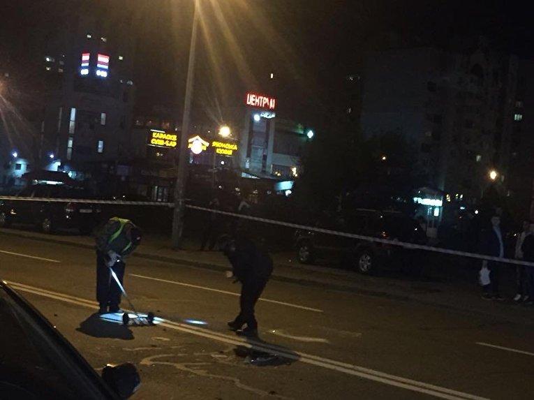 Подрыв авто на Позняках в Киеве