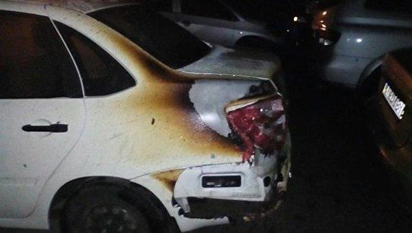 В Днепре на стоянке сгорели пять автомобилей