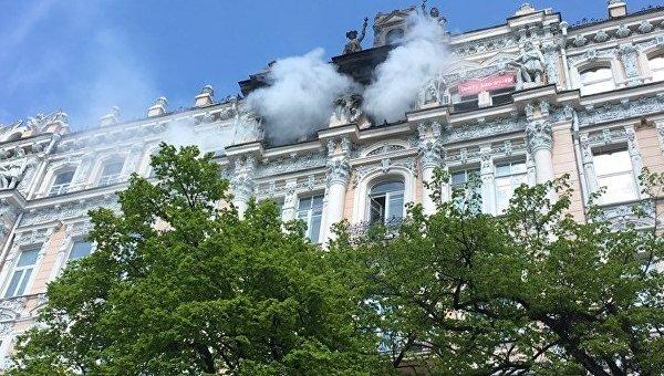 В Киеве горело историческое здание по улице Городецкого, 9