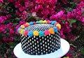 Дизайнер и кондитер Алана Джонс-Ман создает вкусные цветные торты