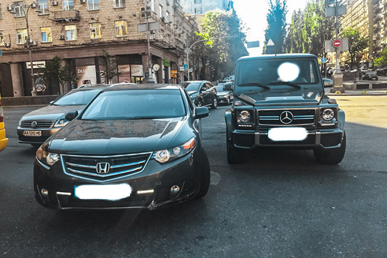 В центре Киева избили нардепа Мустафу Найема, участник инцидента