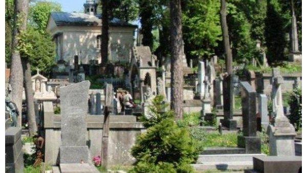 Кладбище в Тернополе