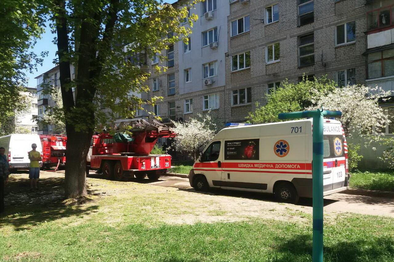 ВХарькове произошел пожар впятиэтажке, есть погибший