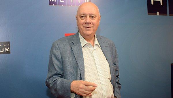 Писатель и сценарист Аркадий Инин