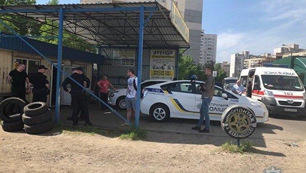 В Киеве на автостоянке в результате конфликта ранен сотрудник СБУ
