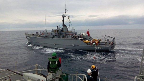 Турецкое грузовое судно попыталось протаранить корабль ВМС Греции