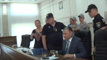 В Никополе на сессии горсовета произошла драка со стрельбой. Видео