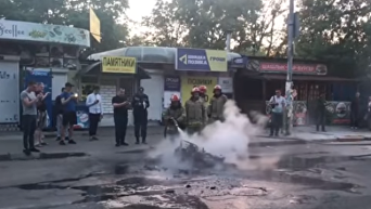 В Киеве на ходу сгорел мотоцикл. Видео